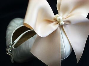 Pearl-Ivory-Satin-Bow-Shoe-Clips-4-Shoes-White-Satin-Bridal-Shoes