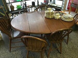 ANTIQUE TABLE WITH SIX HOOP BACK CHAIRS $145 or b/o Kingston Kingston Area image 1