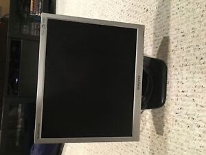 Samsung computer monitor sync master 712n 10.5 in
