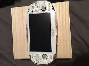 White PS Vita
