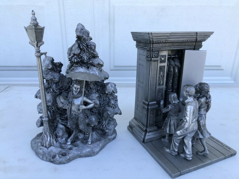Disney Direct Chronicles Of Narnia Bookends 47212 Wardrobe - Free Shipping Look!