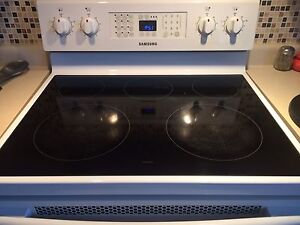 Samsung Conventional  Oven  Stove   Cornwall Ontario image 5