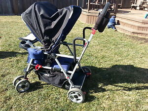 Joovy Caboose Ultralight Sit n' stand stroller