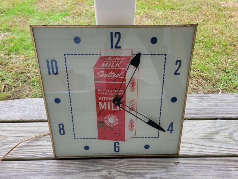 VINTAGE 1960S SEALTEST MILK ADVERTISING LIGHT UP ELECTRIC WALL PAM CLOCK WORKS