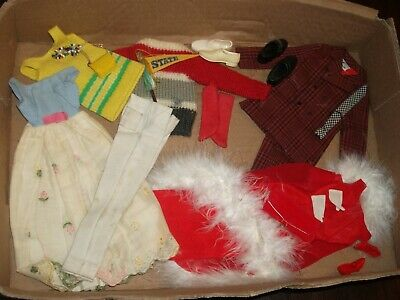 1 box lot 127 ACCESSORIES & CLOTHING Vintage Barbie Dresses