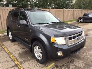 2008 Ford Escape 269Kms, 4X4, Leather, AWD $3,900 OBO