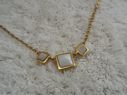 NAPIER Goldtone White MOP Mother of Pearl Pendant Necklace (F34)