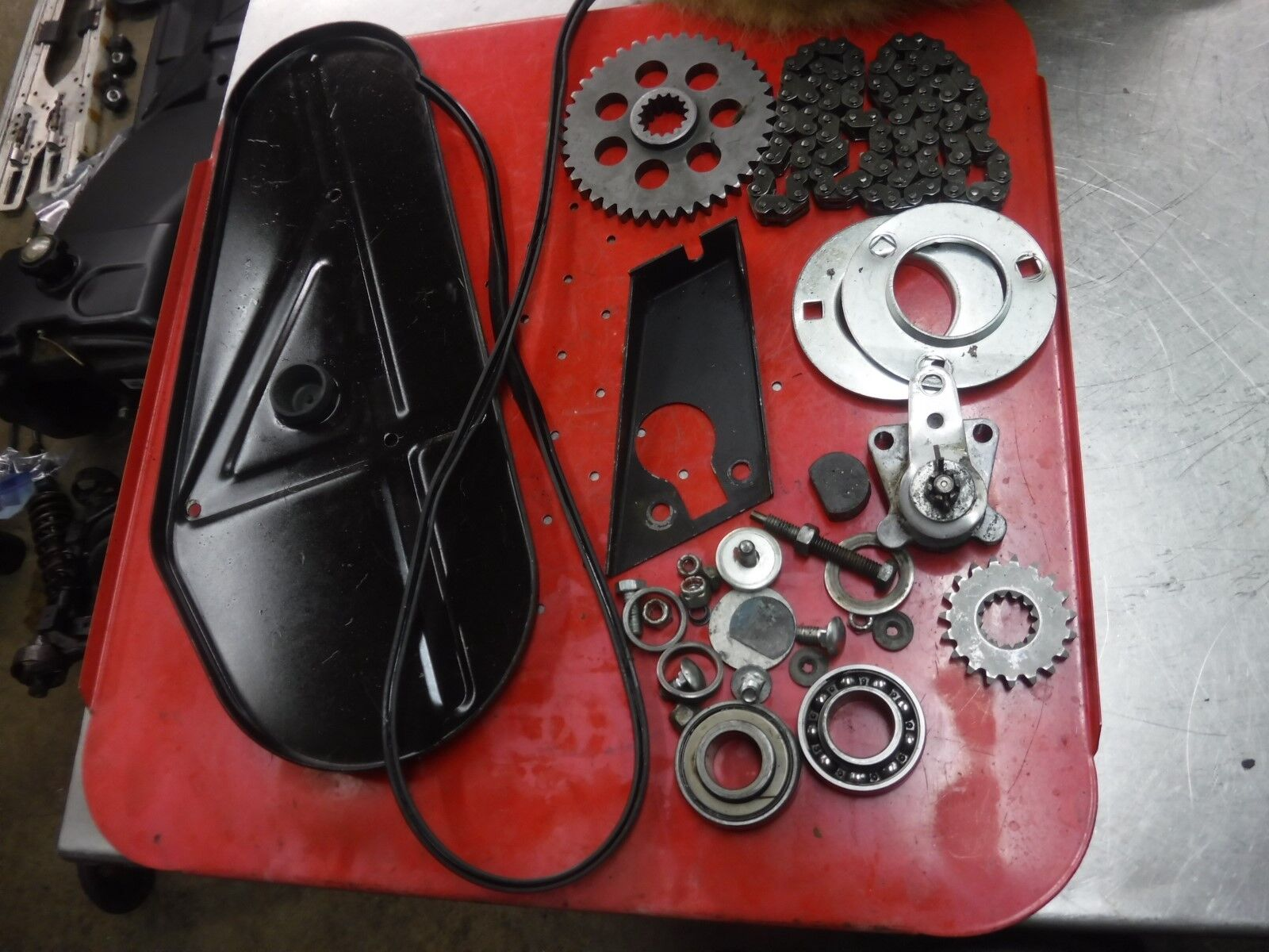 1979 ARCTIC CAT LYNX 2000 S snow parts: CHAINCASE COVER and INARDS