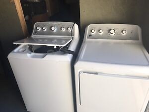 GE Washer and dryer combo for sale. Only 1 yr old