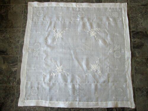 VTG 100% Linen Square Tablecloth Beautiful! Appr. 50x50 Floral Design Embroider