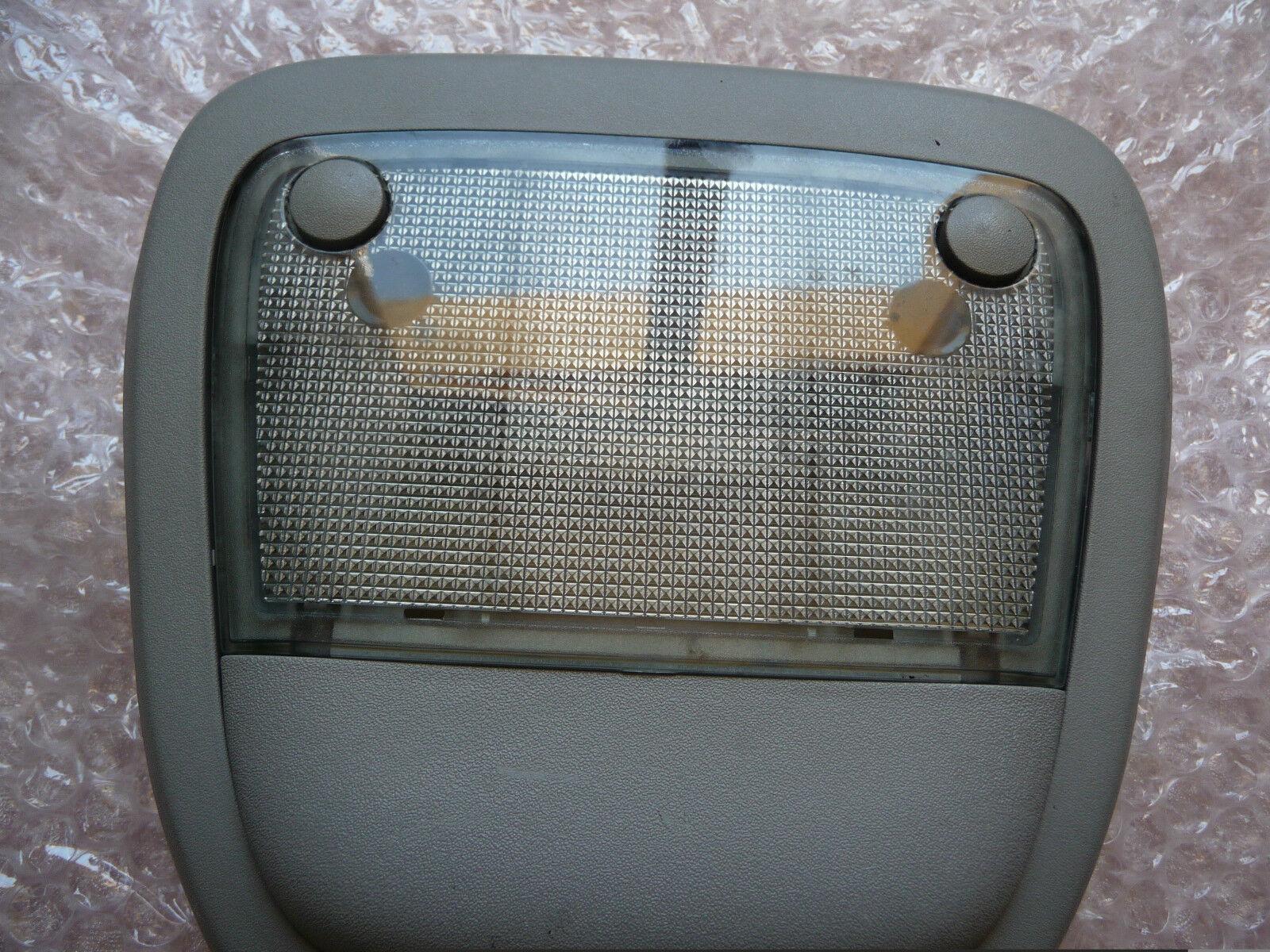 lampe plafonnier eclairage int rieur avant opel meriva a. Black Bedroom Furniture Sets. Home Design Ideas