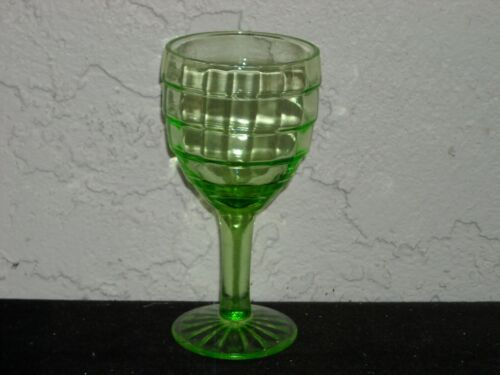 Block Optic Wine Goblet  Green