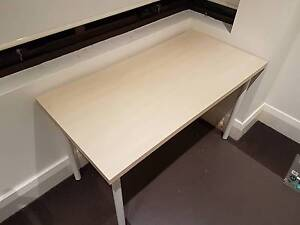 Desk for sale. LOOKING TO SELL BY 30TH MARCH Randwick Eastern Suburbs Preview