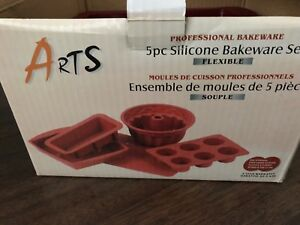 SALE: Silicone Bakeware/ Cake Pan/ Oven Tray/ Snack Tray