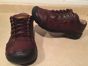 Men's Keen Leather Shoes Size 8