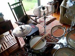 Full setup: Pearl Traveller hybrid acoustic/electronic drum kit Melville Melville Area Preview