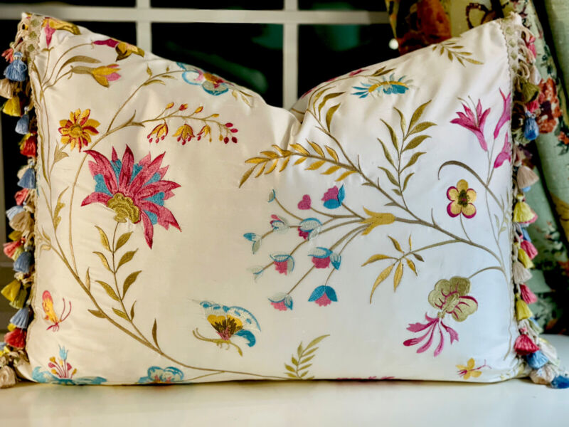 LEE JOFA 'GUINEVERE' SILK EMBROIDERY WITH SCALAMANDRE SILK TRIM PILLOW