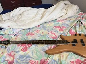 Yamaha bass guitar Currawang Goulburn City Preview
