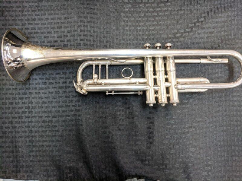 Buescher True Tone Trumpet LP