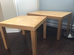 Table IKEA (5$ chacune)