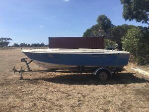 Mustang boat hull