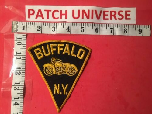 VINTAGE BUFFALO  N.Y.  MOTORCYCLE UNIT  SHOULDER PATCH  R092