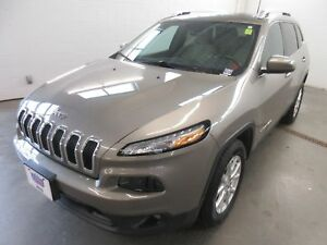 2016 Jeep Cherokee North-4x4! TRAILER HITCH! ALLOYS! ONLY 36K!