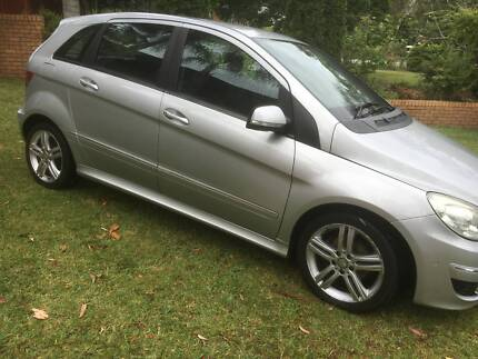 MERCEDES BENZ B180 B CLASS 2010 SILVER WITH BACK AUTO AIR POWER Northmead Parramatta Area Preview