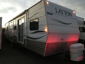40 feet park model 2 bedrooms with bunks 2 power slide outs