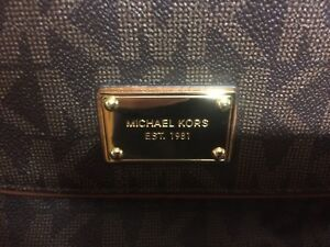 Selling MK Purse for CHEAP