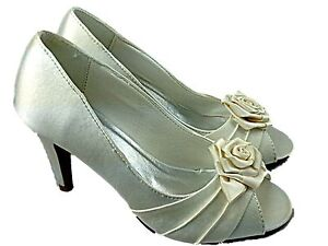 Ladies Wide Fit Cream Evening Shoes