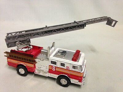 Fire Engine Truck W/13