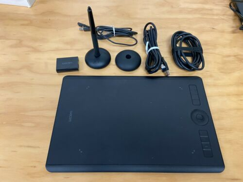 Wacom PTH660 Intuos Pro Graphic Tablet
