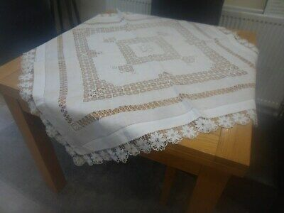 VINTAGE LINEN PRETTY WHITE SQUARE TABLECLOTH 44 x 44 in / 112 cm MINOR FAULTS