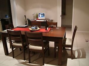 Tasmanian Oak Dining Table (expands to 8 seater) with 6 Chairs Wagga Wagga Wagga Wagga City Preview