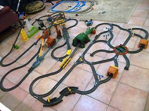 Thomas TRACKMASTER Train Set & 17 Engines Chapel Hill Brisbane North West Preview