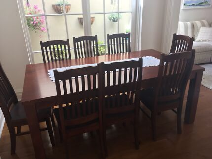 8 seats 9 pieces Vic Ash stunning dining set
