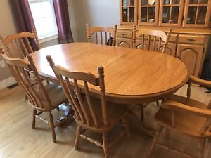Solid oak hardwood dining room table