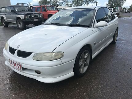 HOLDEN COMMODORE SS V8 5.7