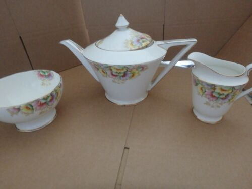 ROYAL STANDARD ENGLISH BONE CHINA, STUNNING 2 PINT TEA POT, MILK JUG, SUGAR BOWL
