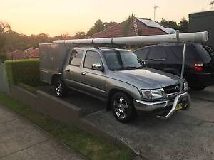 2004 Toyota Hilux 4 door Manual 4x2 2.7 litre petrol Ryde Ryde Area Preview