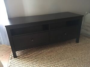 Hermes tv stand