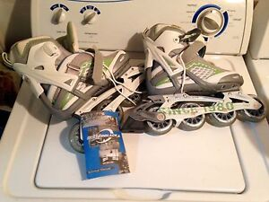 Rollerblades (women size 7) NEW 40$ or BO