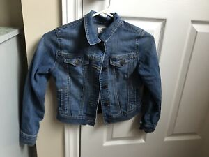 girls size 8 old navy jean jacket.like new! $10