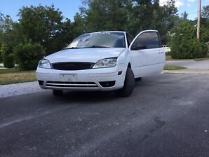 Ford Focus ZX3 2005 $2400 obo