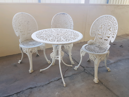 Vintage Cast Iron Outdoor Table And Chairs Setting Part 47