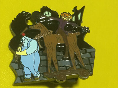 Disney DLR Halloweentown Collection Behemoth & Pumpkin King Pin 2005 LE 1500