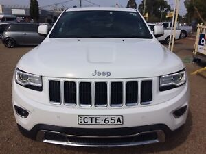 2014 Jeep Cherokee Limited addition!! Low kms