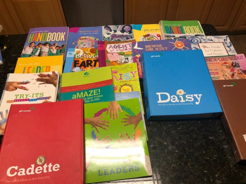 Lot Of 18 Girl Scouts Junior Brownie Daisy Cadette  Leader Guides Books