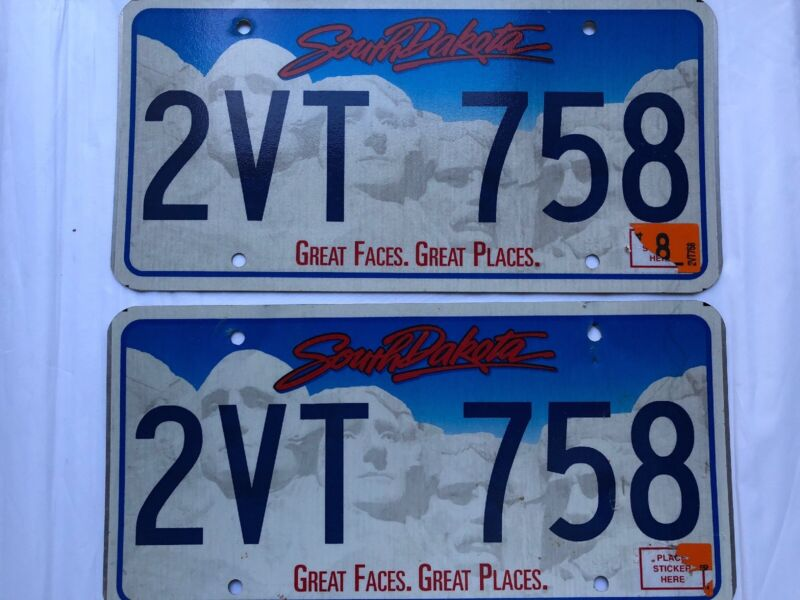 South Dakota License Plate PAIR Great Faces Great Places